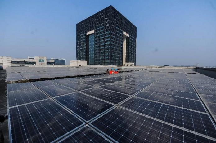 arquitectura con paneles solares