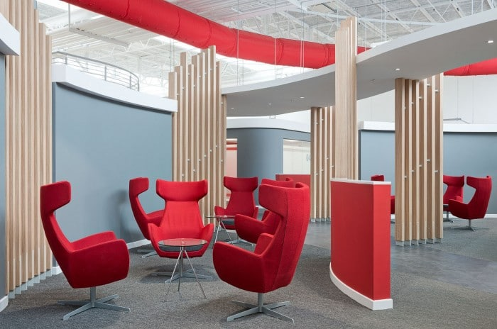 Los 10 dise os de oficinas m s cool for Decoracion oficinas y despachos