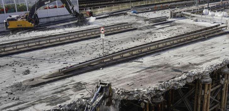 demolición carreteras ciudades