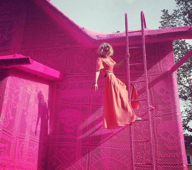 tejidos de color rosa