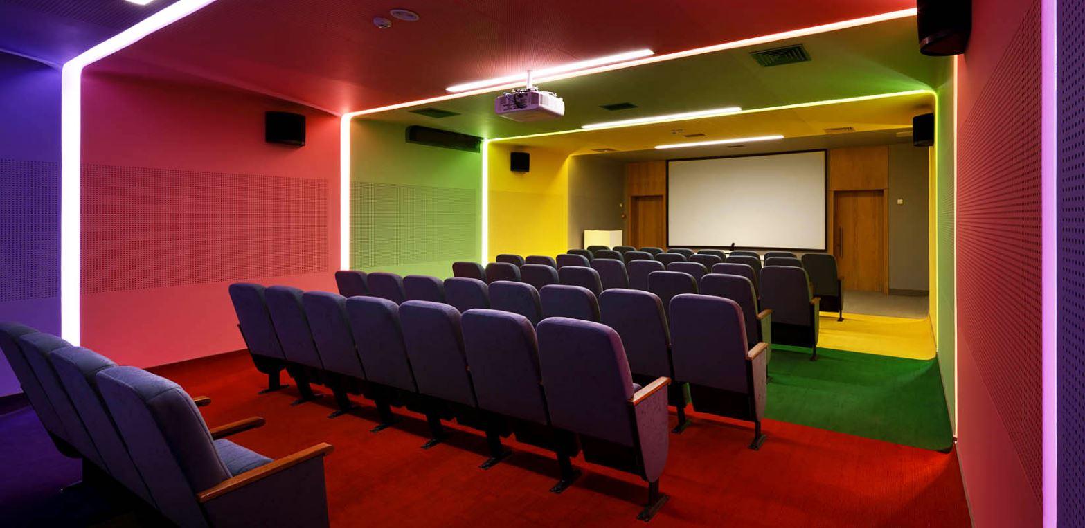 sala visionado escuela