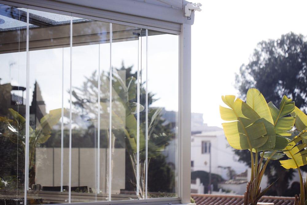 An lisis acristalamiento ventanas y cortinas de cristal for Cerramientos oficinas