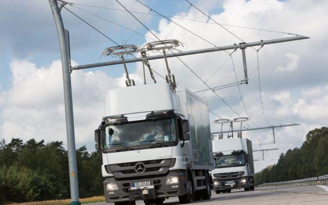 vehiculos electricos en carreteras