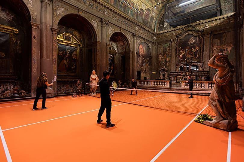 iglesia con tenis