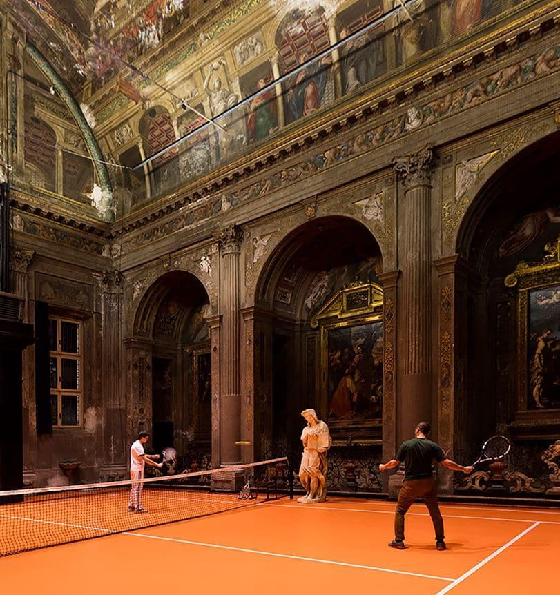 jugar a tenis