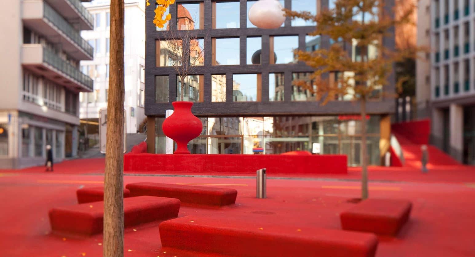 muebles urbanos color rojo
