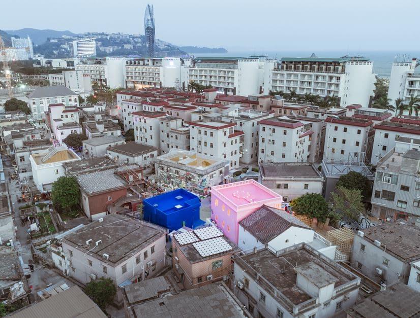 casa azul y rosa