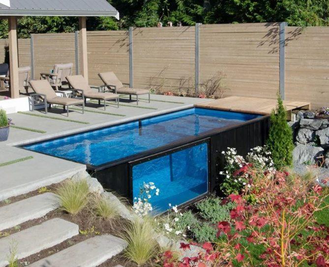 piscina con contenedor