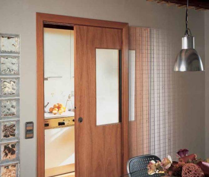 puerta encastrada en pared