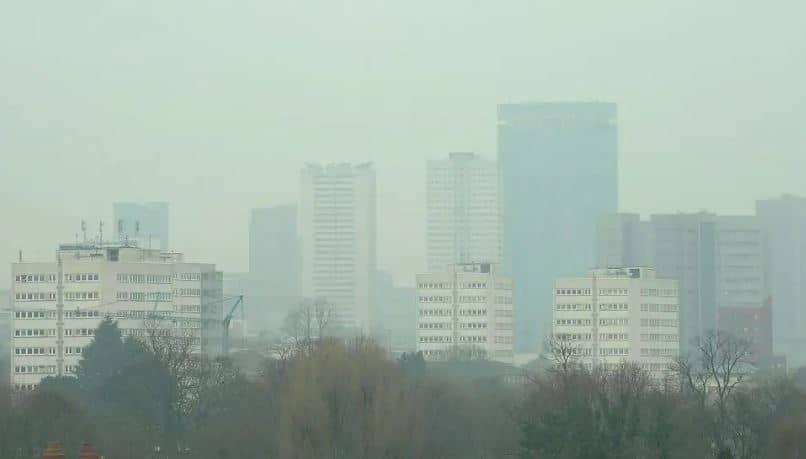 contaminación aire y la salud mental