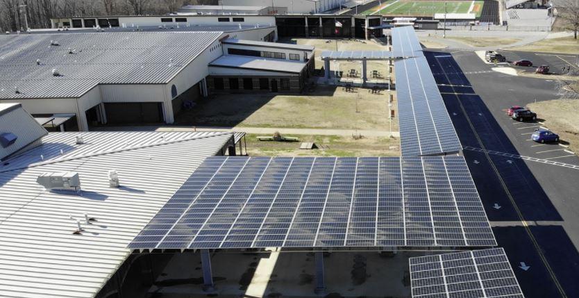 paneles solares en las escuelas